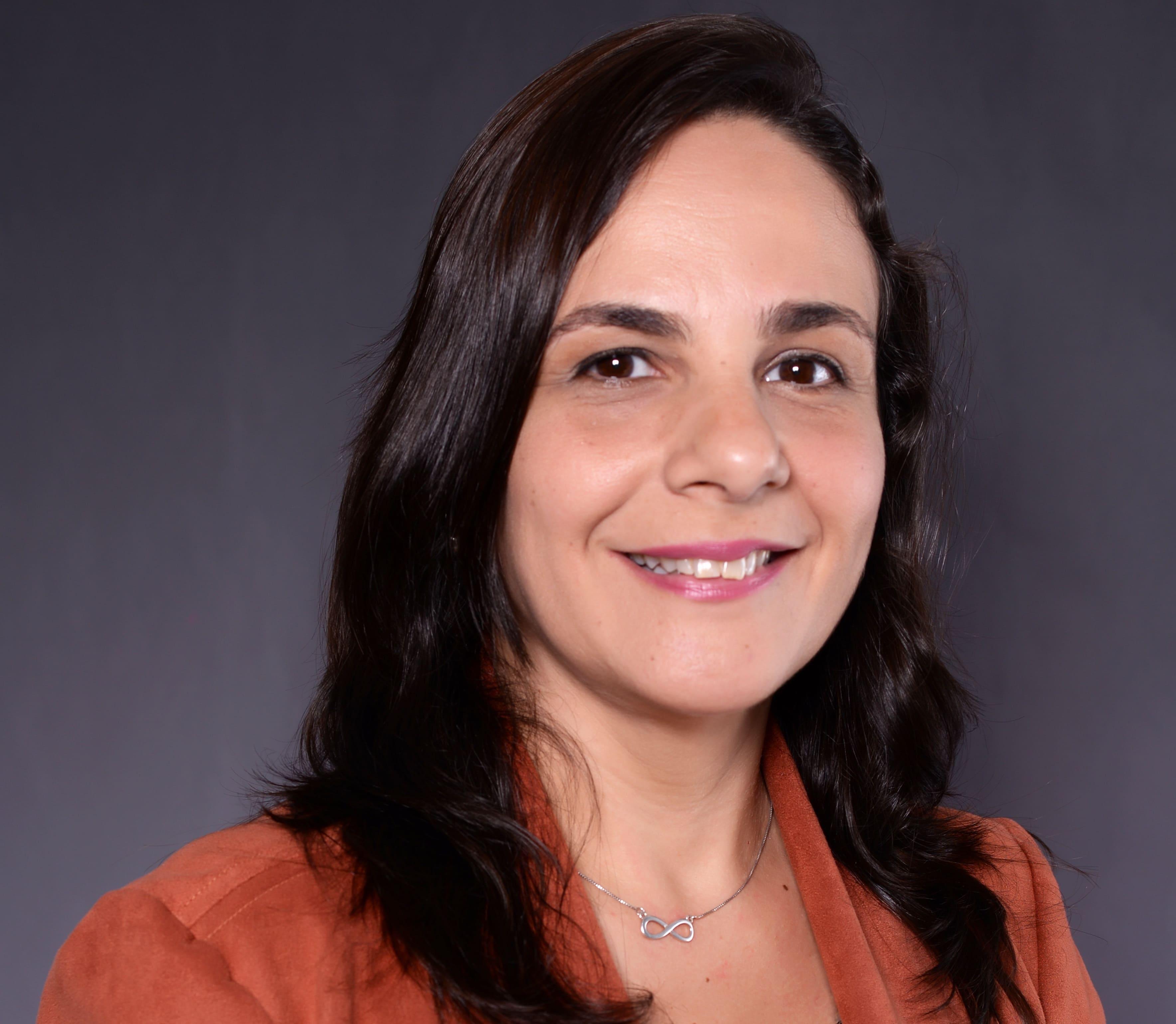 (Português do Brasil) Ana Claudia Paranaguá