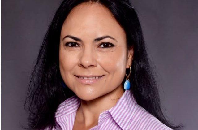 (Português do Brasil) Celia Caiuby
