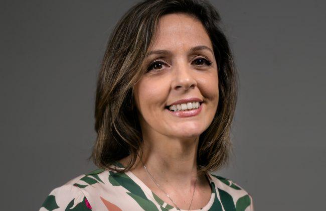 (Português do Brasil) Isabela Achkar Farah