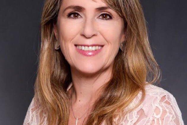 (Português do Brasil) Ana Carla Safadi